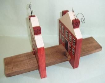 SALTBOX HOUSE RECEIPE BOOK HOLDER - WOOD