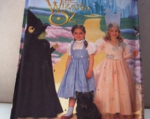 Get Ready For Holloween With this Wizard Of Oz Costume For Your Little Girl