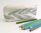 Pencil case - Grey Leaves