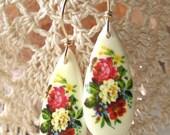 Rosabella - Vintage Earrings