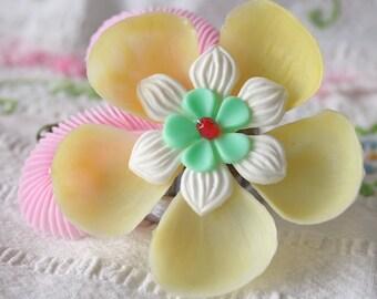 Vintage Flower Hair Clip - Tropical Hibiscus