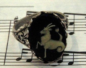 Vintage Zodiac Cameo Ring - Capricorn