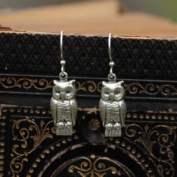 Silver Retro Owl Earrings