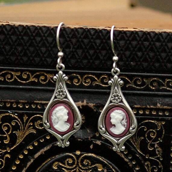 Lady Cameo Earrings