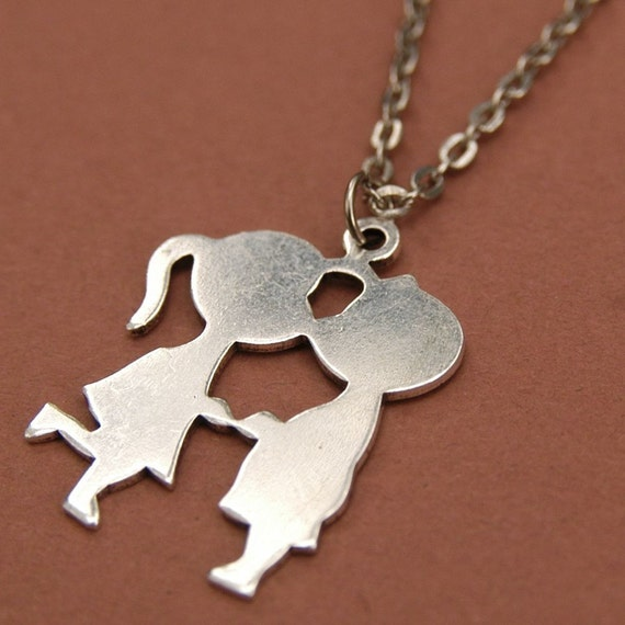 Boy and Girl Kissing Retro Necklace