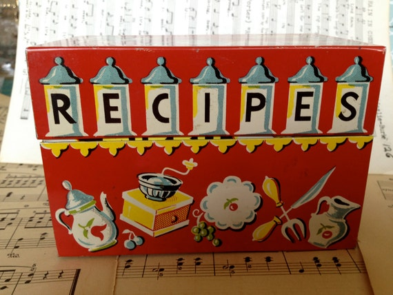 The cutest vintage metal recipe box