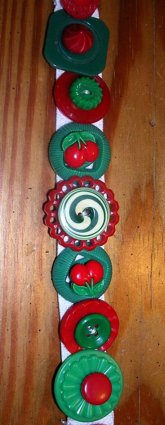 Christmas Button Bracelet