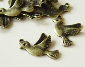 22mm x 15mm Metal Antique Bronze Bird Charm Pendant  10  Pieces - LC11002Y