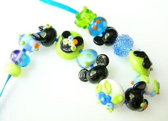 Mickey and Minnie Mouse on a Summer Holiday disney themed set disney inspired...handmade lampwork glass beads