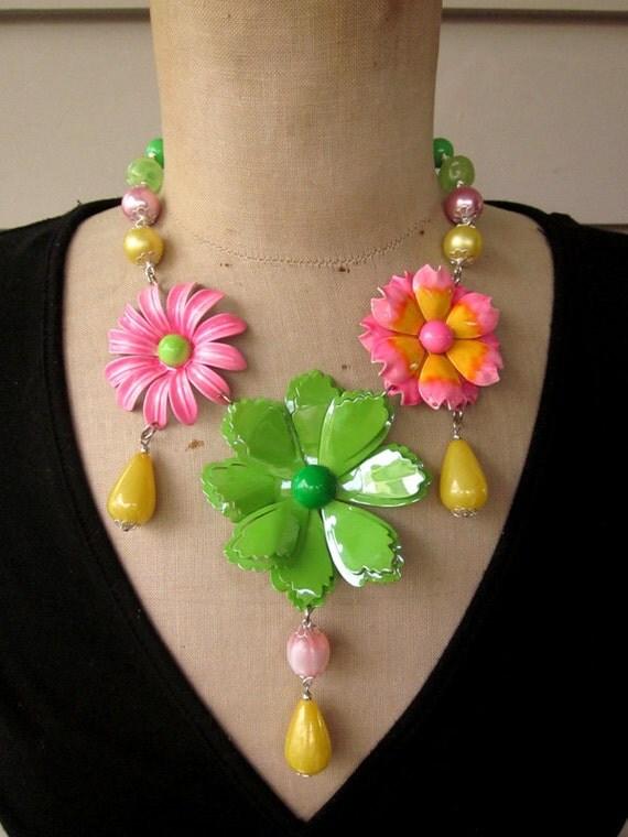 Vintage Necklace, Enamel Flower Necklace - Psychodelic
