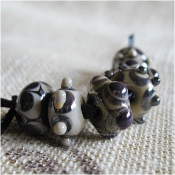Silver plum and beige bead set
