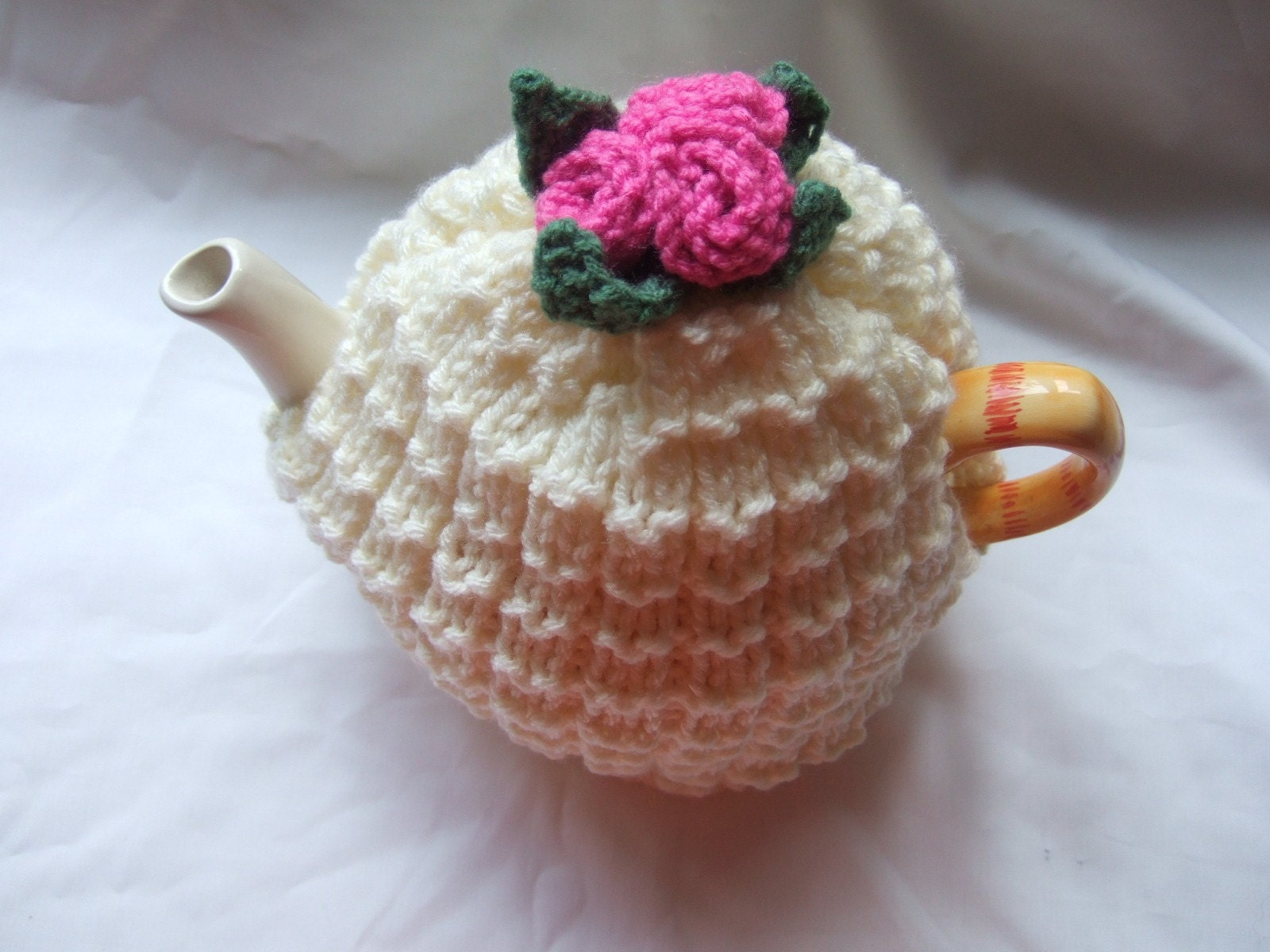 Free Knitted Tea Cosies Patterns : Items similar to rose tea cosy knitting pattern on Etsy