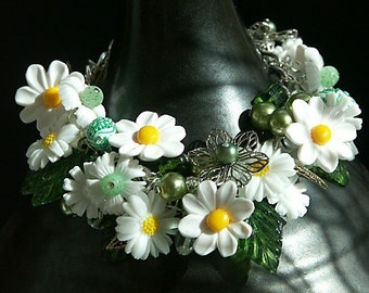 Bracelet, Charm Bracelet, Vintage Charm Bracelet 'DAISY CHAIN'  Daisy Charm Bracelet, Flower Bracelet