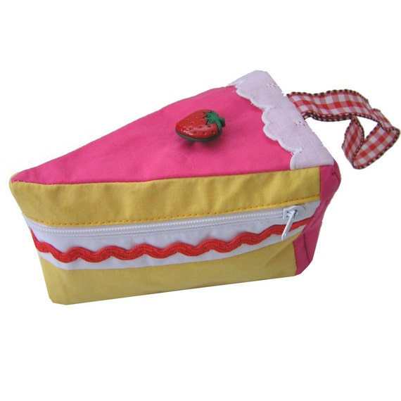 Strawberry sponge cake purse