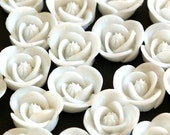 Clearance 30pcs White Flower Cabochons 17mm RB1058Y-3