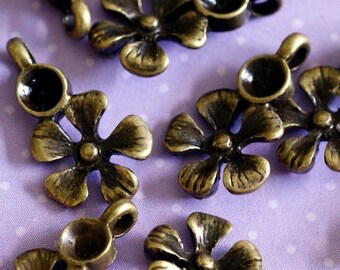 24pcs Antiqued Bronze Small Flower Links A11669