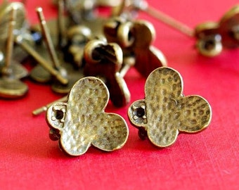 Clearance 5 pairs of Antqiue Bronze finish Butterfly Ear Posts A11668