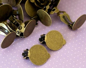 Lead Free 20pcs Antique Brass Ear Clips With Round 12.5mm Pad