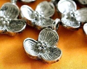 24pcs Antique Silver Flower Pendants AD10929-S
