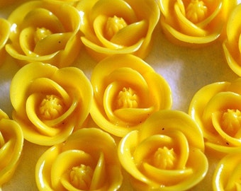 Clearance 30pcs Yellow Flower Cabochons 17mm RB1058Y-8