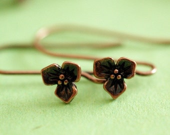 Sale 2 pairs Antqiue Copper finish Three Leaf Flower EARWIRES HOOKS