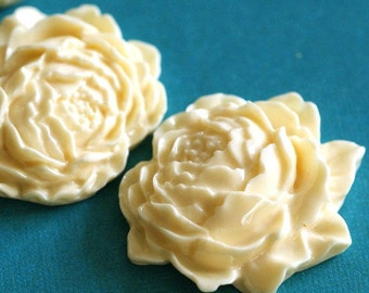 Sale 20pcs Ivory Mum Peony Flower Cabochons 25mm