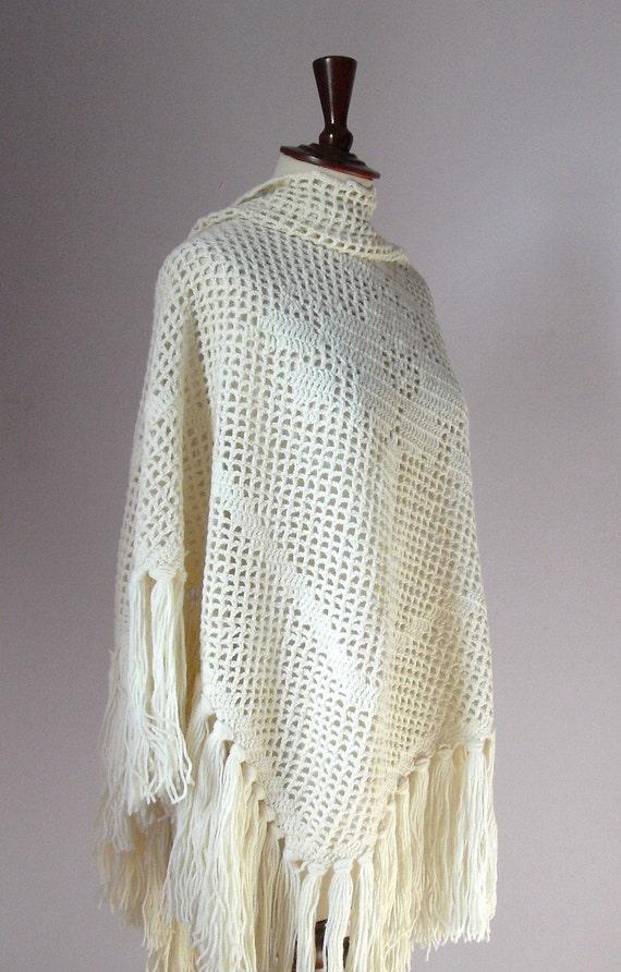 OOAK - Daisy Filet Triangular Crochet Wrap Shawl