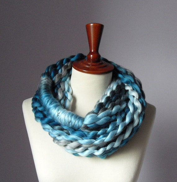 MINI LOOP SCARF