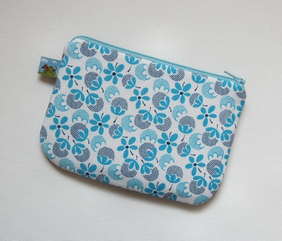Cell Phone Case Gadget Bag Zipper Pouch Gingham Nut in Cornflower