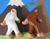 Bigfoot and Abominable Snowman Magnet Set
