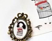 Lady Bird - cameo brooch