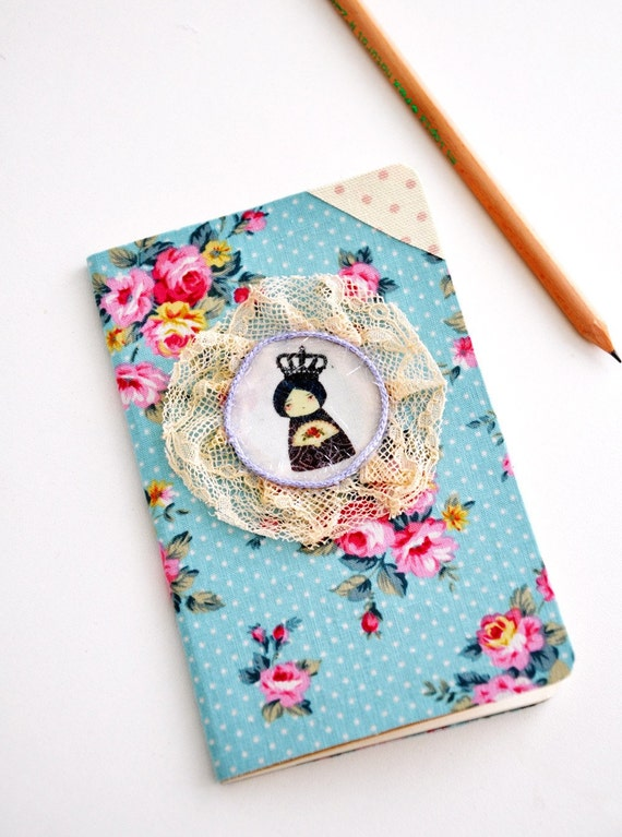 SALE - Queen paperdoll moleskine cahier