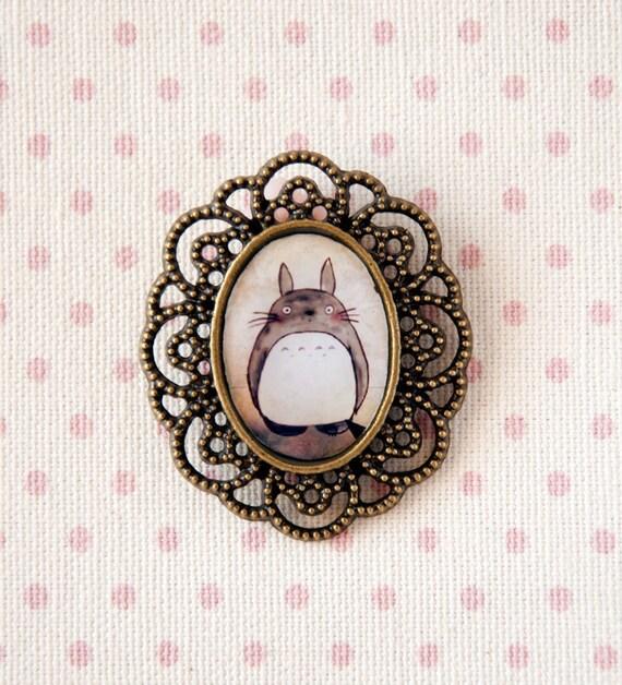Totoro - cameo brooch