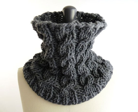 Black Friday Cyber Monday Etsy Sale 20% Chunky Cowl with Knit Cables in Gray Merino for Men and Women - Free Shipping in France