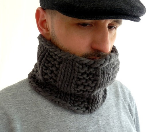 Chunky Knit Cowl in Gray Pure Merino Wool for Men and Women
