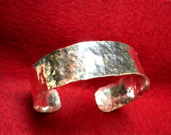 Cuff Bracelet Classic Sterling Everyday - Comfortable 3/4 inch wide, hammered, eco friendly solid 925 silver - Custom made in your size