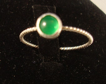 Glowing Chrysoprase Green Ring -  eco friendly sterling silver from recycled sources - Custom made in your Size