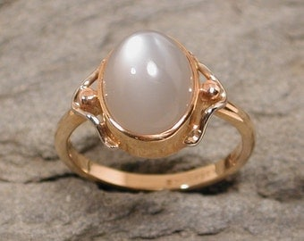 Misty Gray Moonstone Ring 14k Yellow Gold Ring Modern Jewelry by Susan SARANTOS
