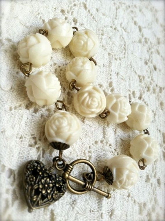Romantic Cream Rose Bead Bracelet with Heart