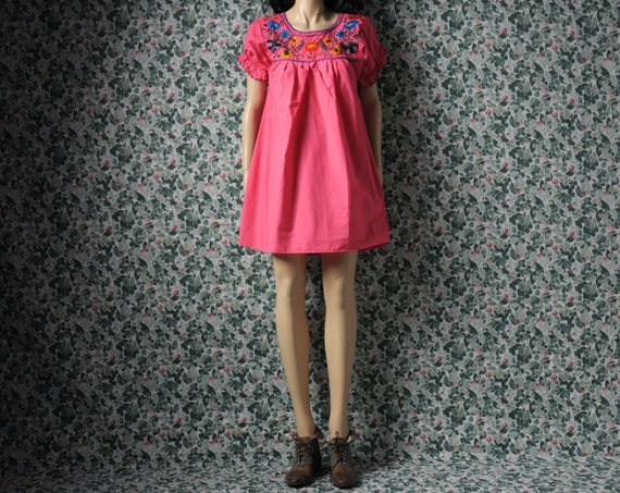 mexican oaxacan embroidered mini dress / hippie / s / m