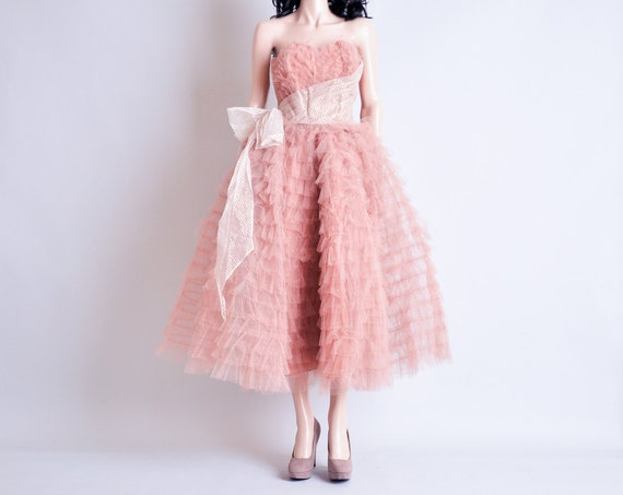 vintage 50s pink mesh ruffle dress / party / tiered / strapless / s