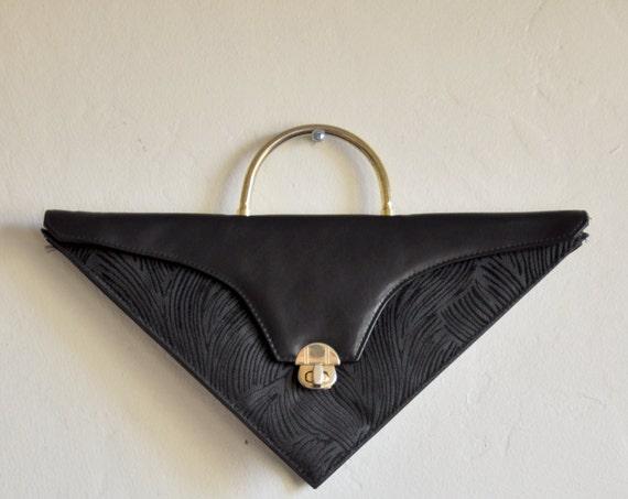 triangle purse / geometric pocketbook / clutch / print /