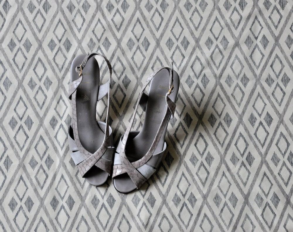 vintage 70s silver grey suede leather by persephonevintage