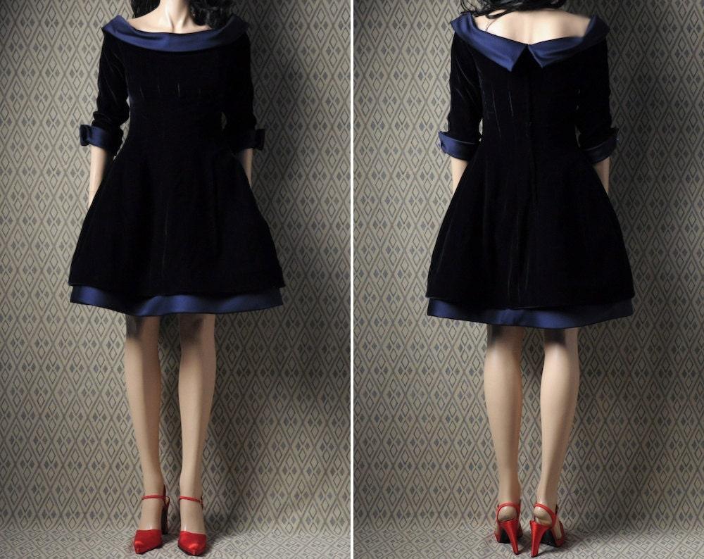 Vintage Velvet Dress 112