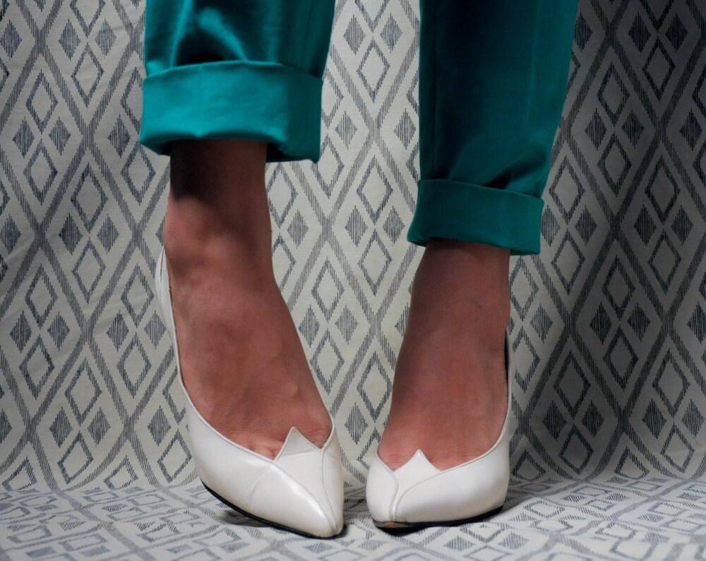 white sculptural pumps high heels 6