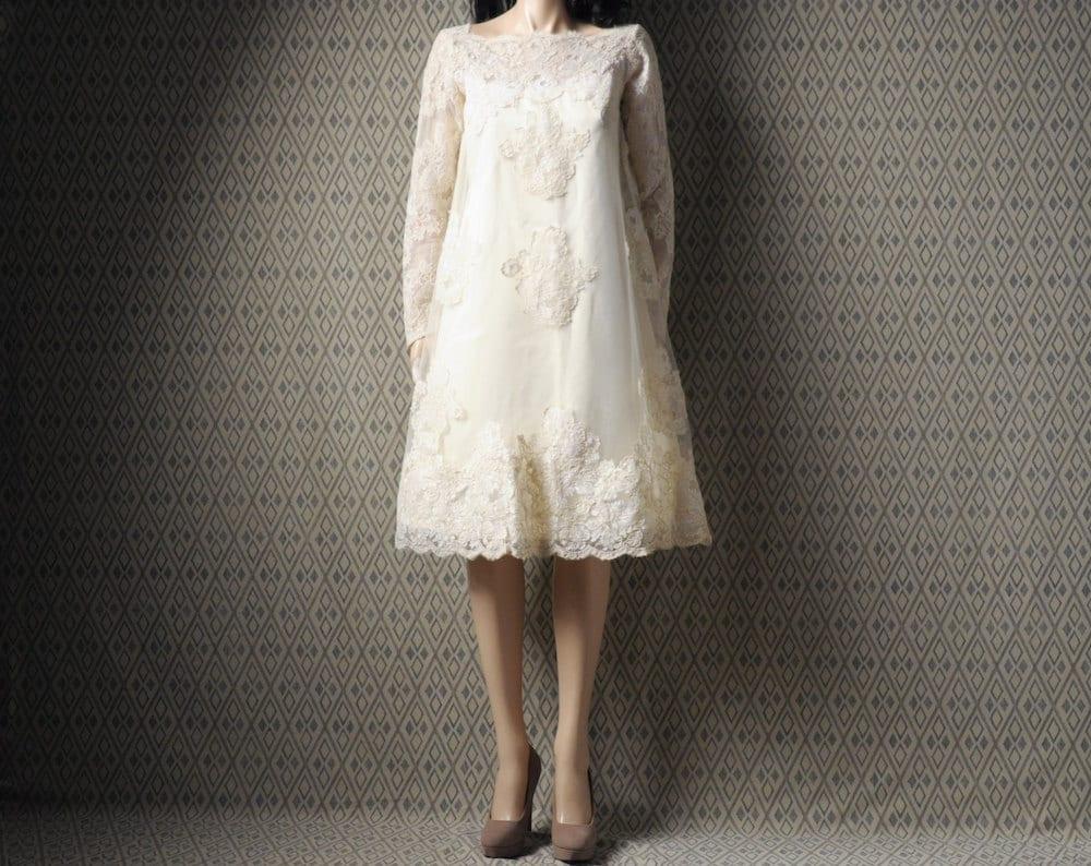 1960s White Lace Wedding Dress / Trapeze / Boat Neck / A Line