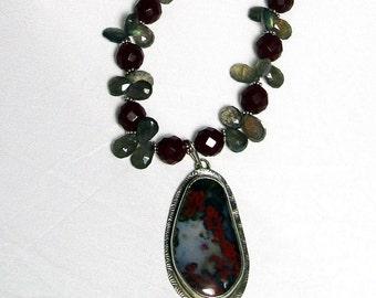 Agathe Pendant w\/Carnelian and Labradorite Beads