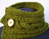 Woodland Green Cabled Wool Blend Scarfette with Wood Button