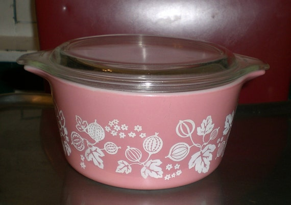 Pink and White 1958 GOOSEBERRY PYREX Baking Casserole Dish with lid