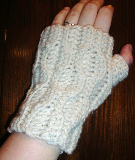 Items similar to Wrist warmer crochet pattern free ...